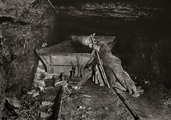 Miner photo by Earl Dotter